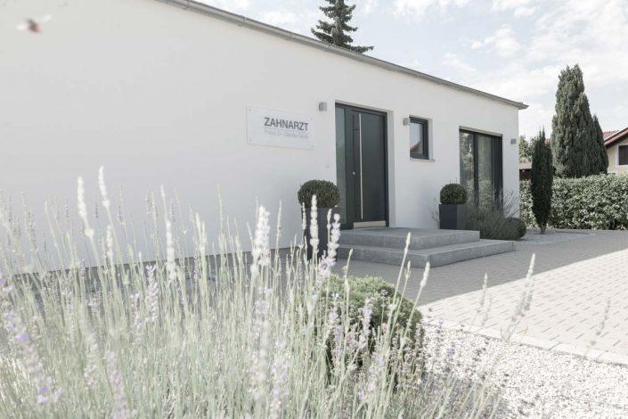 Eingang Zahnarztpraxis Neustadt